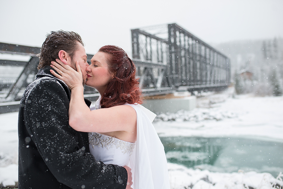 canmore-winter-wedding-E&R02.jpg