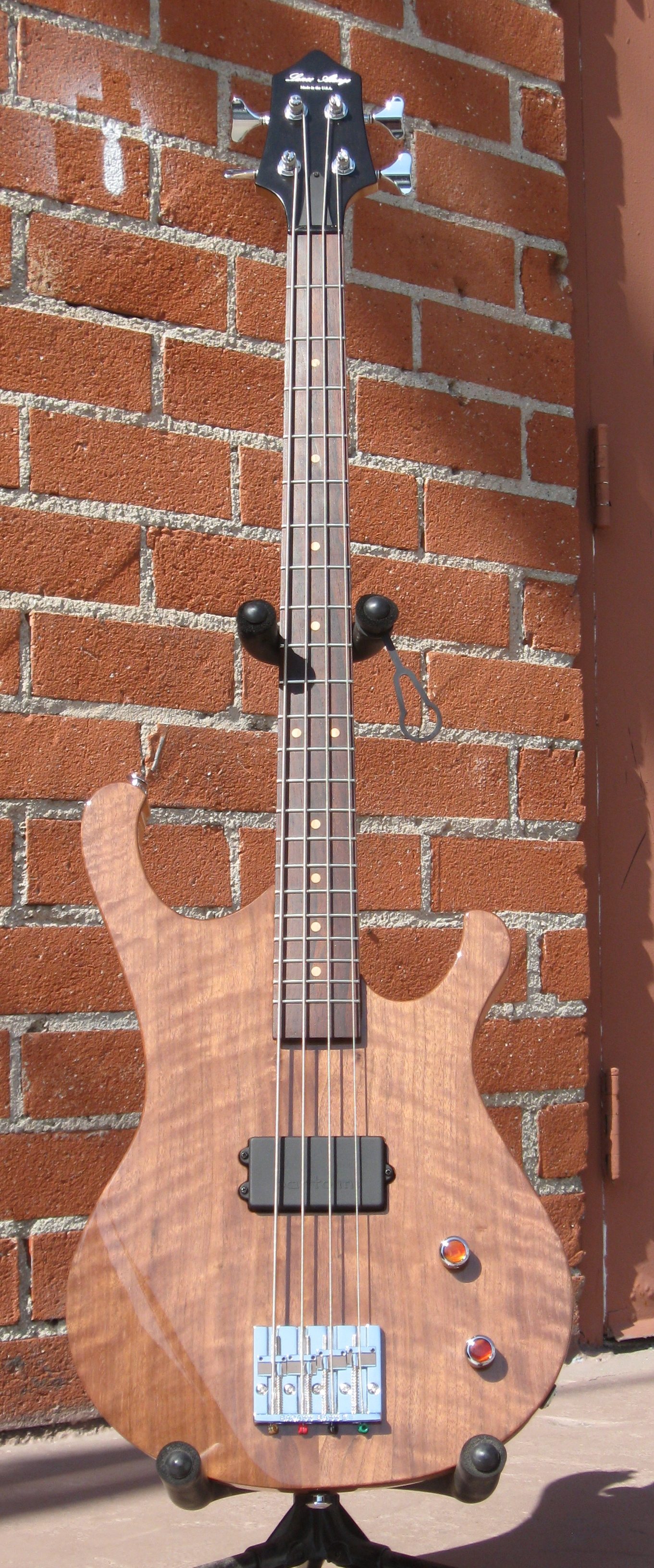 California 32 Bass