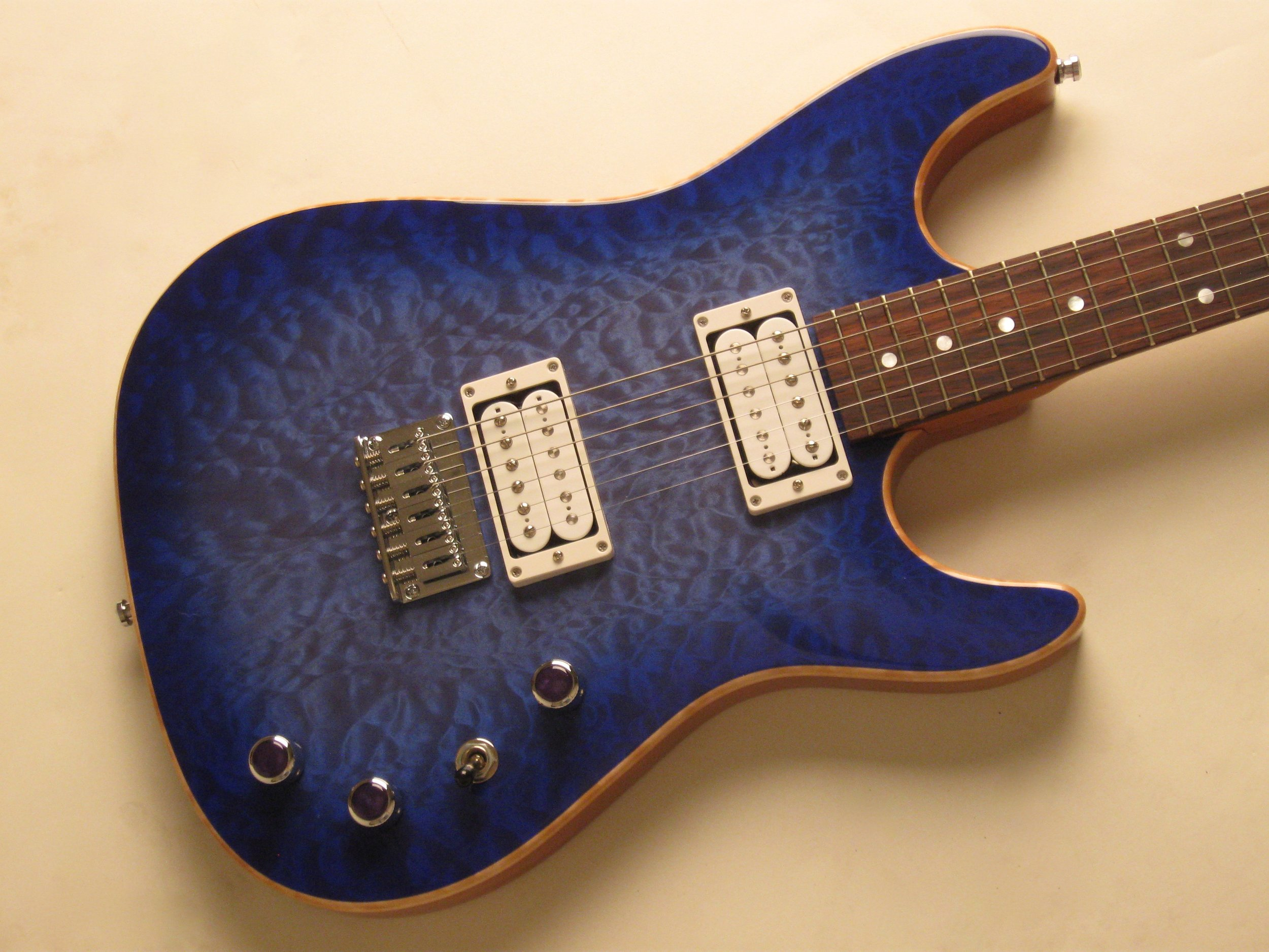 Rallye with quilted maple drop top
