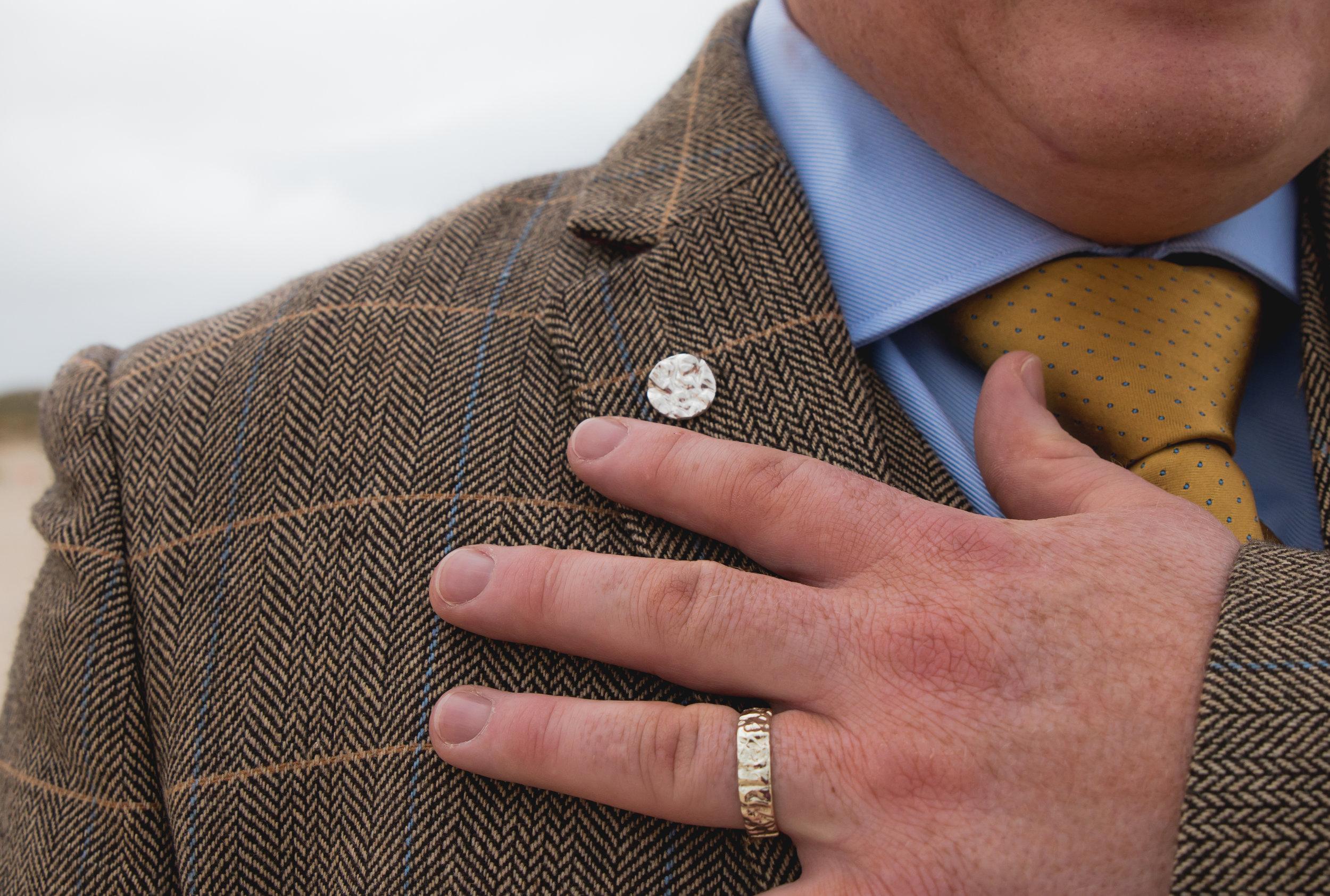 9ct white gold Huisinis 'from the land' wedding band  Sterling silver Huisinis 'from the land' lapel pin