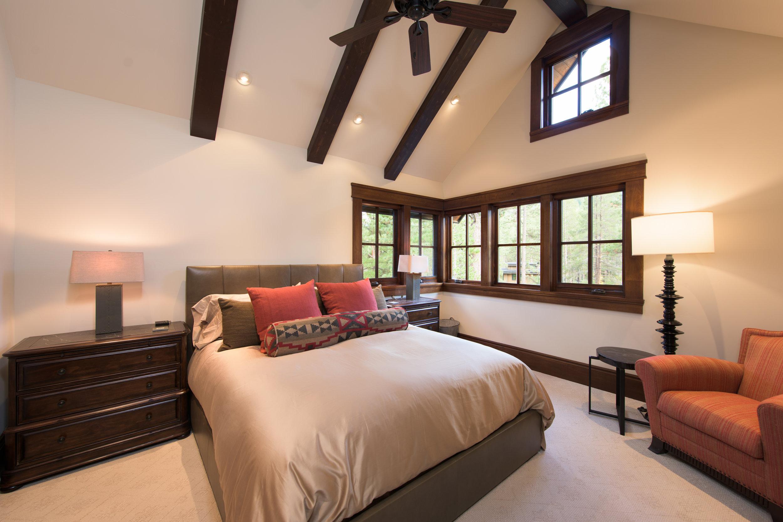 GUEST BEDROOM 4.jpg