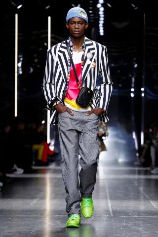 Versace-226238_320n.jpg