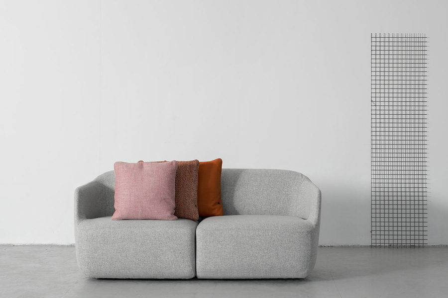 """Ire A new elegance   In Italy we talk about someone's """"Sprezzatura"""", suggesting that some are a little off stylish and idiosyncratic in its style. That is how I feel about Como sofa. It is well-dressed, but with a twinkle in his eye."""