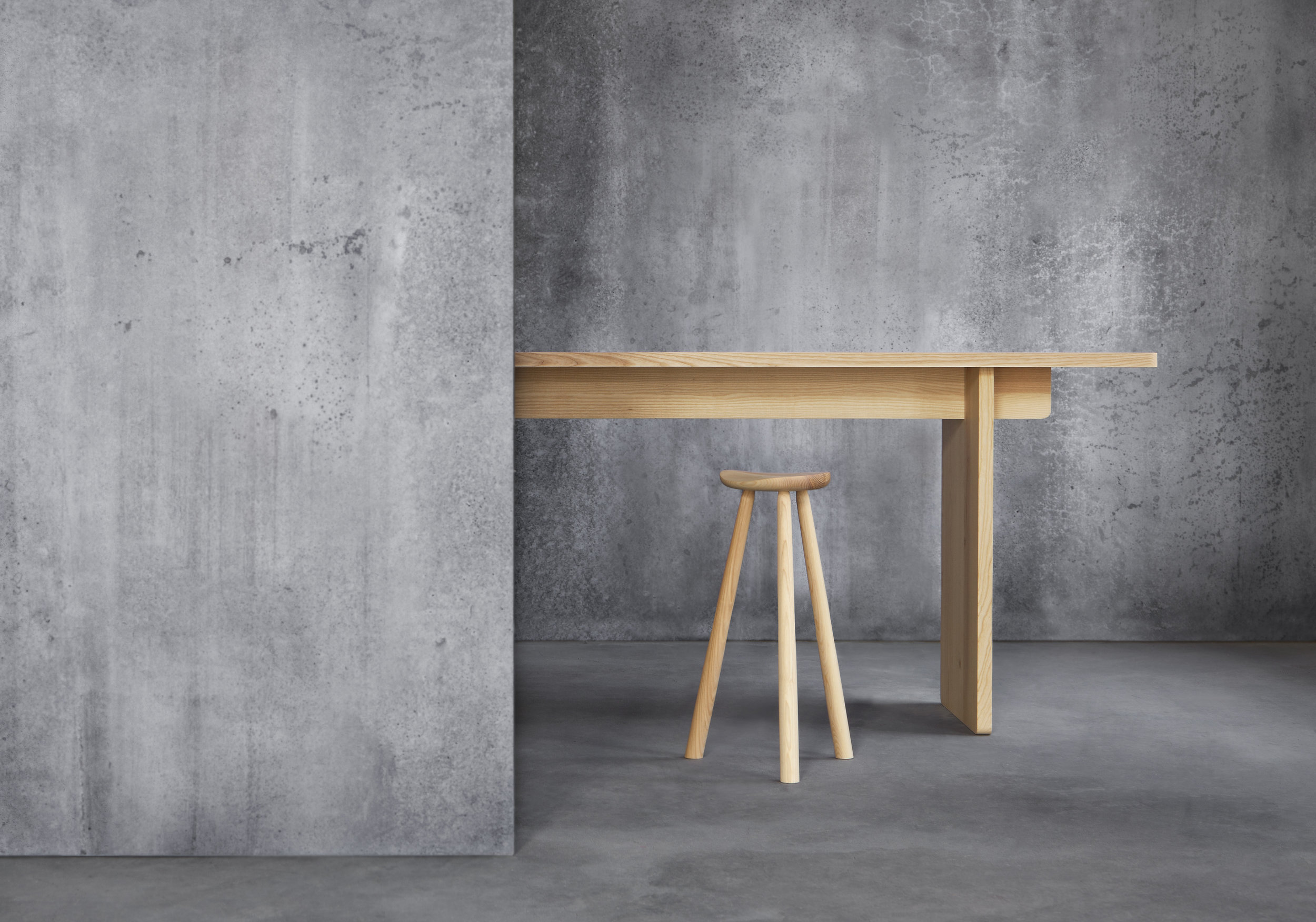 SKANDINAVIA EDI High table_N I K A R I.jpg