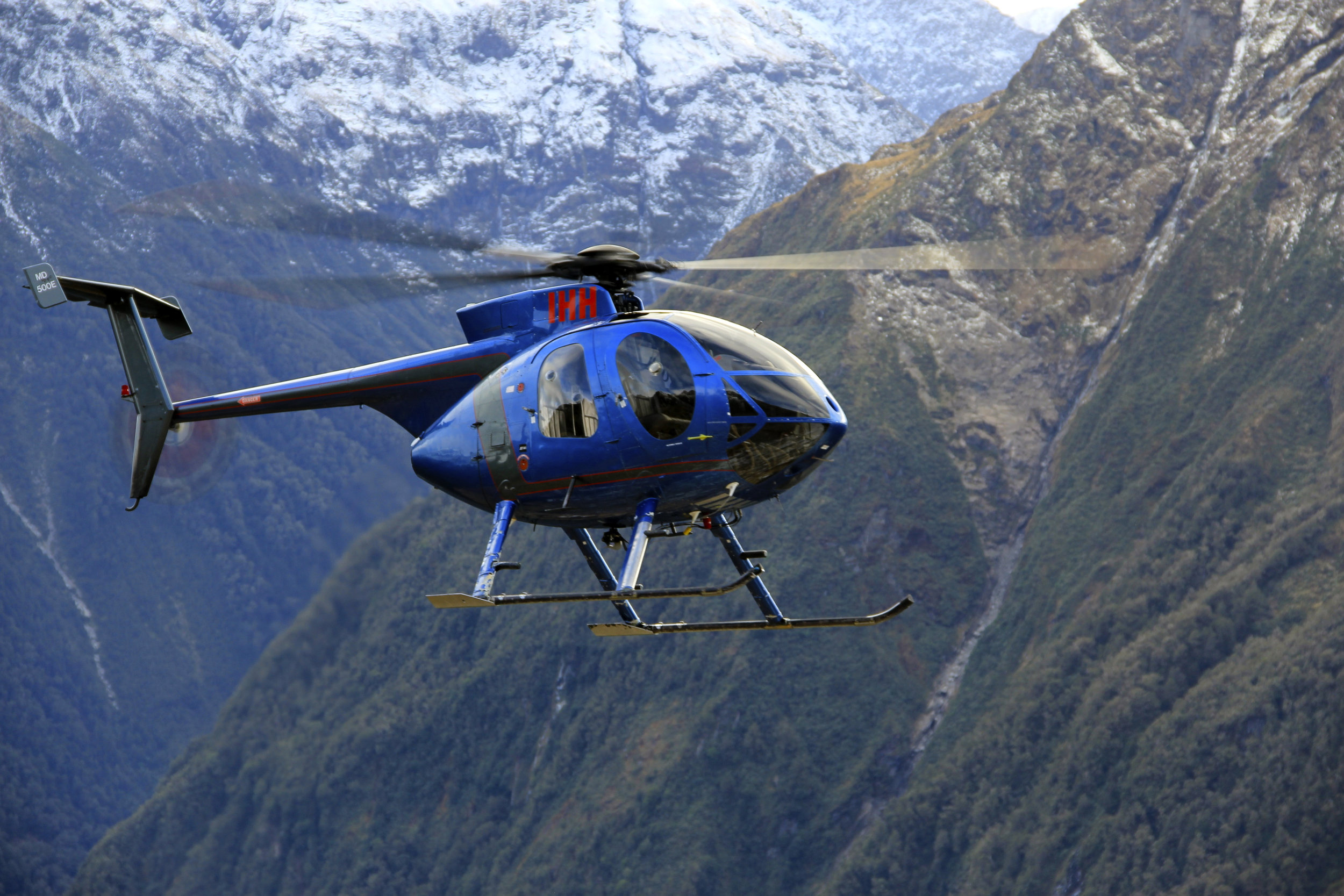 MD 500E helicopter