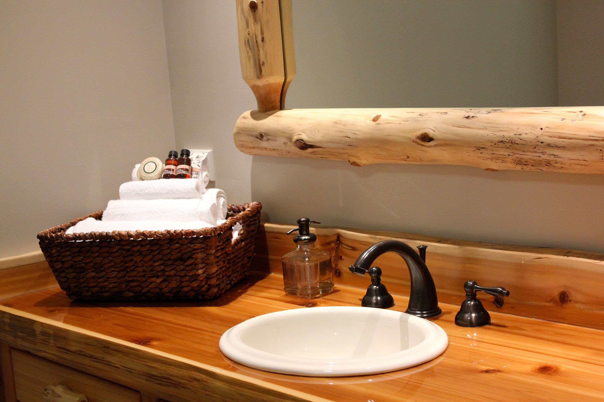 Lodge log vanity