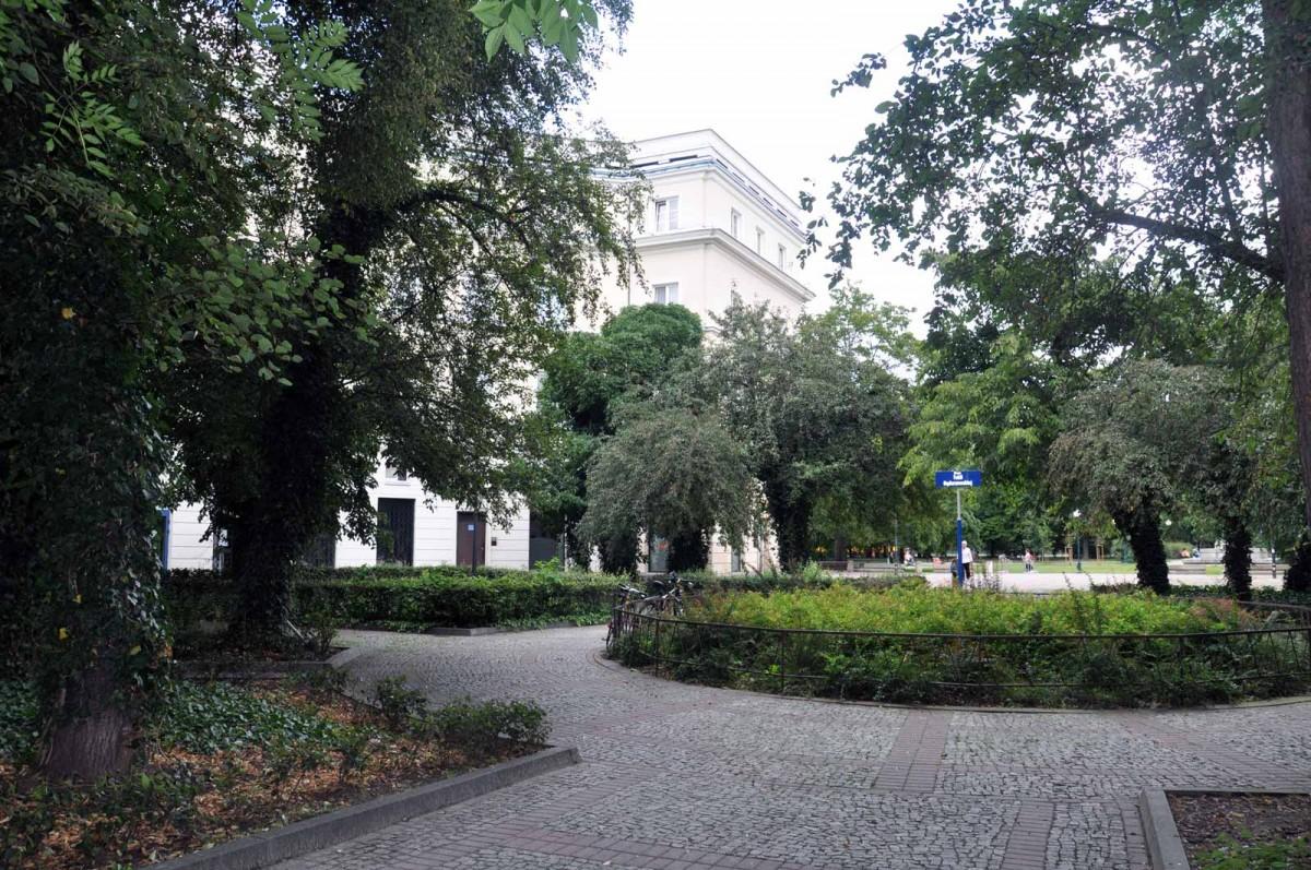 Tekla Bądarzewska Squere in Muranów