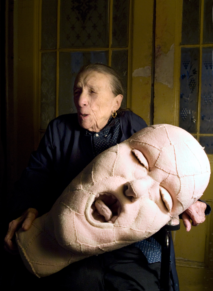 Louise Bourgeois with a fabric sculpture in progress in 2009. Photo: © Alex Van Gelder / Art: © The Easton Foundation