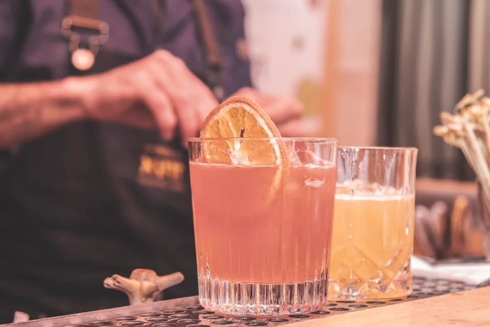 Zuta cocktail bar