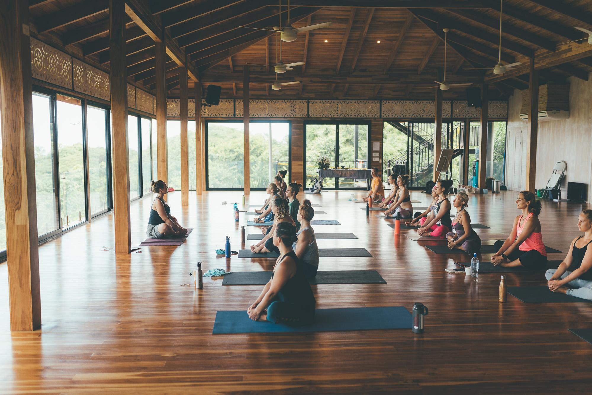 travelling-yoga-photographer-200hr10.jpg
