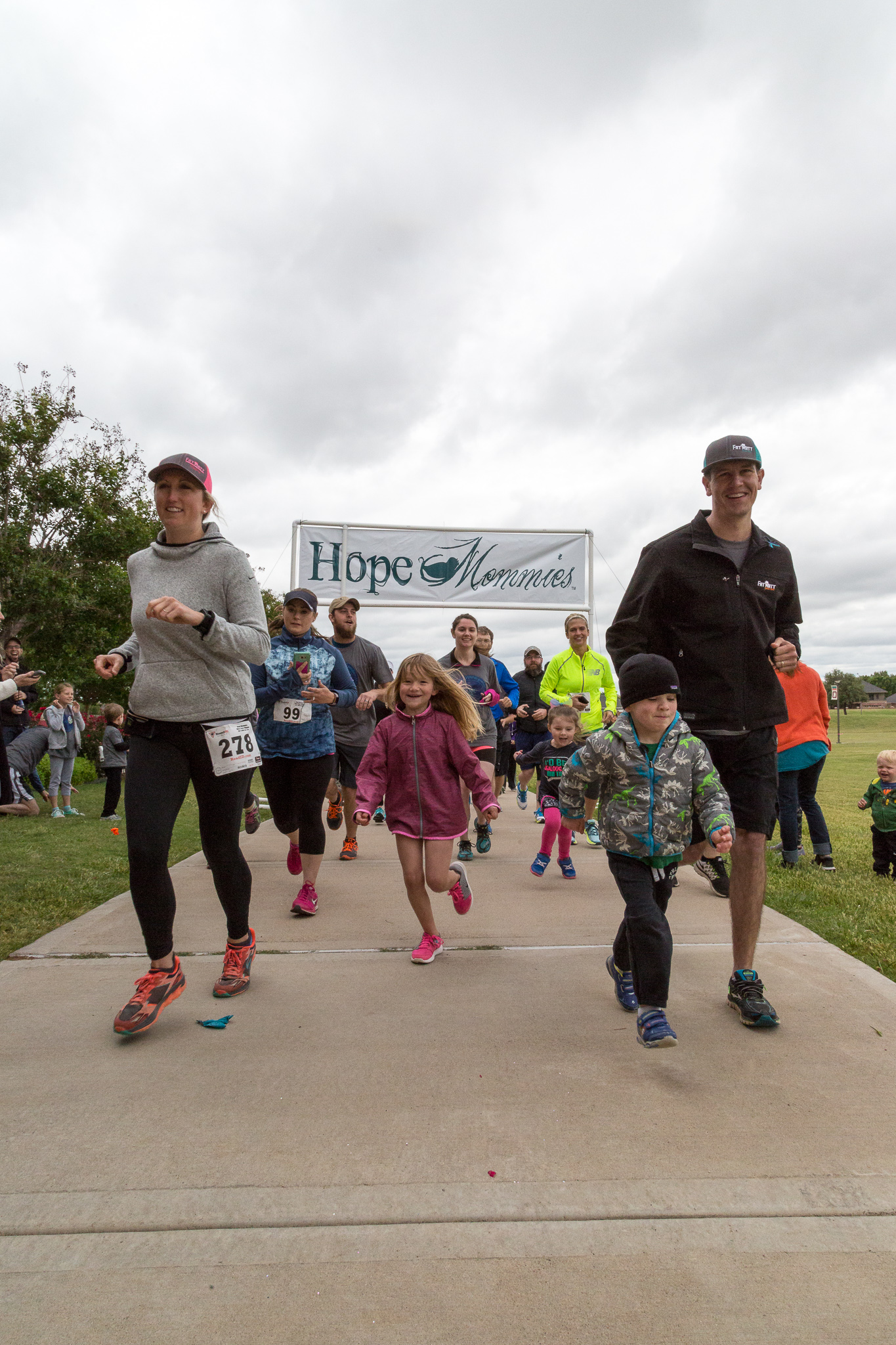 2017 Hope Mommies 5K-73.jpg