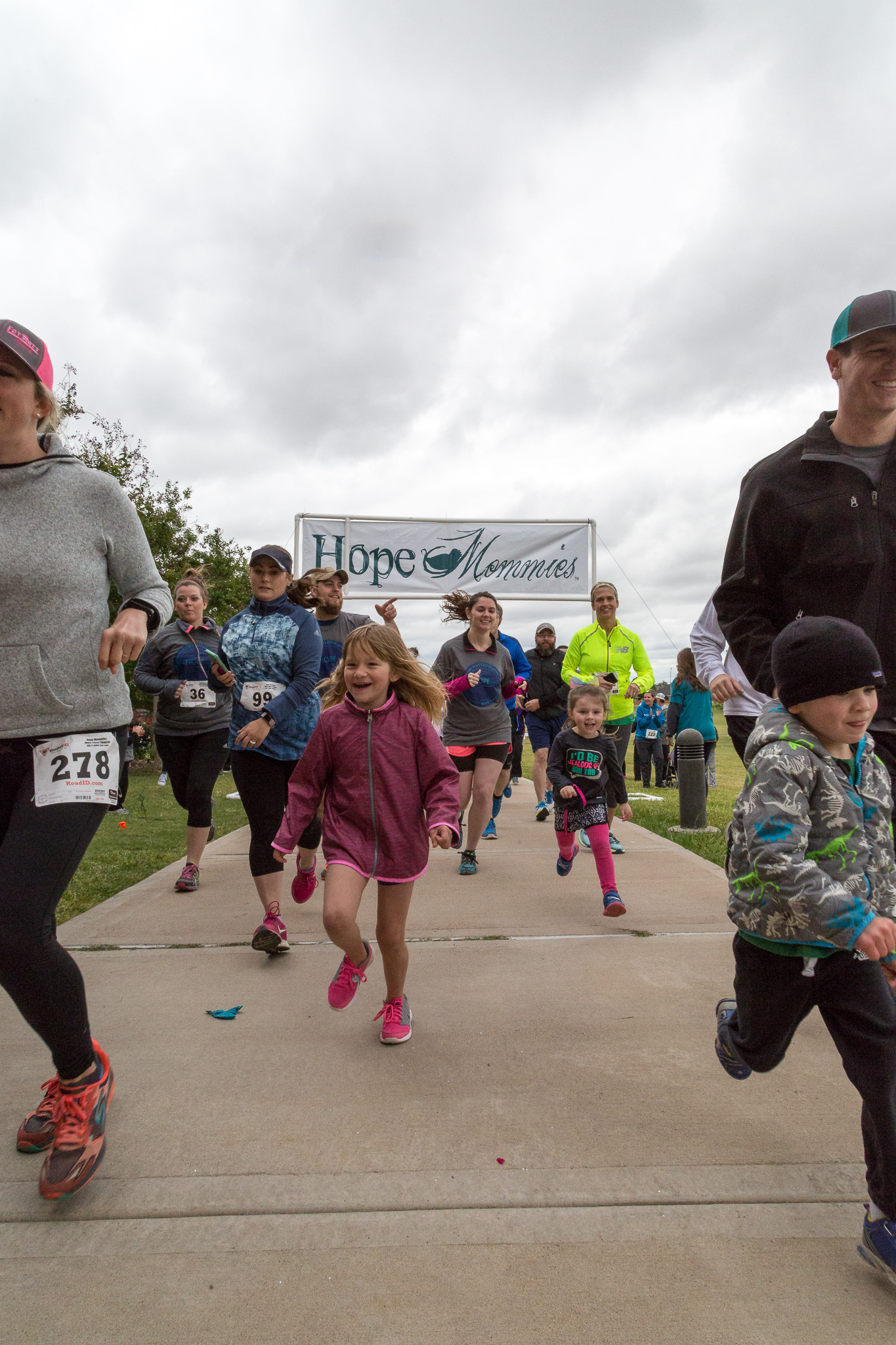 2017 Hope Mommies 5K-74.jpg