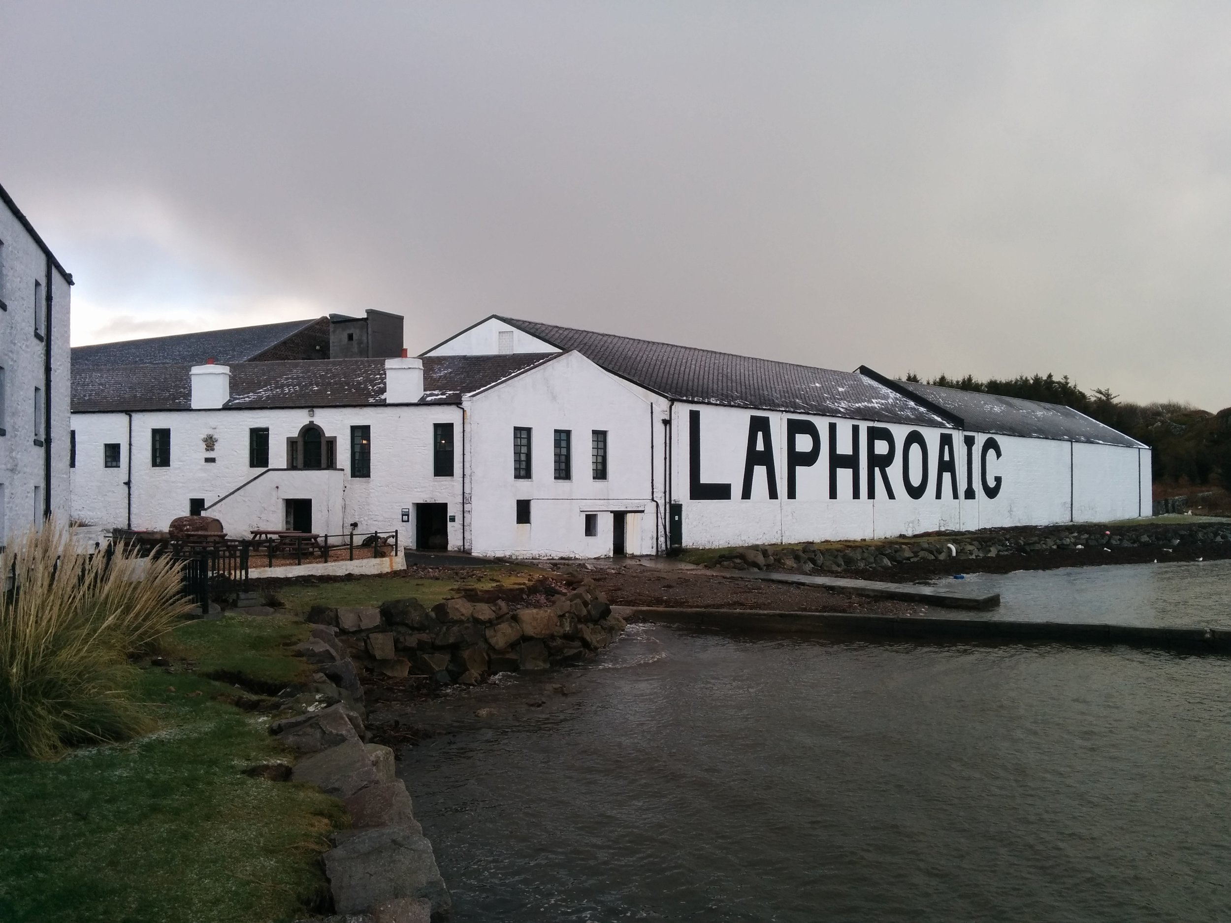 Laphroaig-distillery.jpg