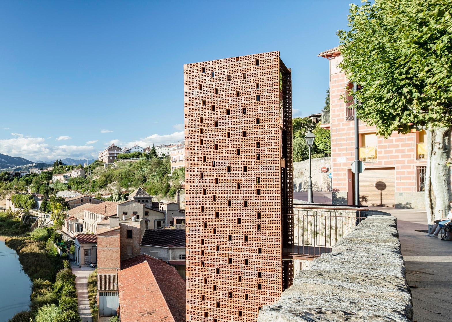 New-Access-to-Gironellas-Historic-Center_Barcelona-Spain_Carles-Enrich_dezeen_1568_3.jpg