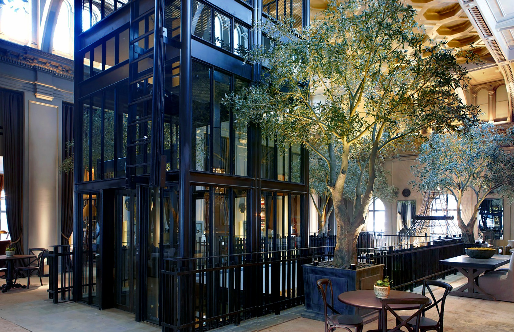 Restoration Hardware - Boston