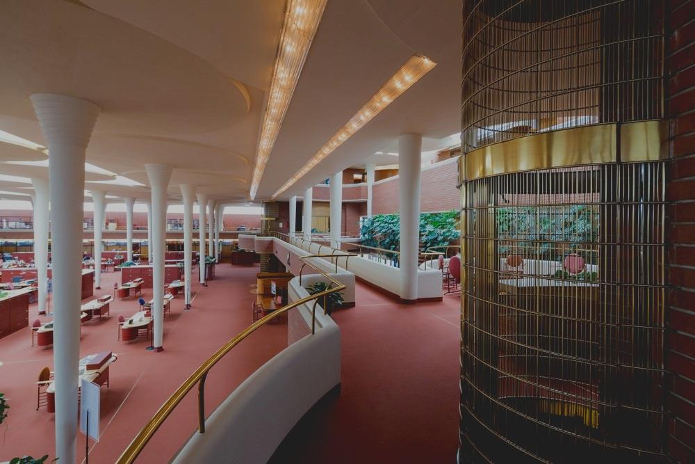 ELEVATOR - sc-johnson-headquarters-racine-wisconsin-s150817-ib4.jpg