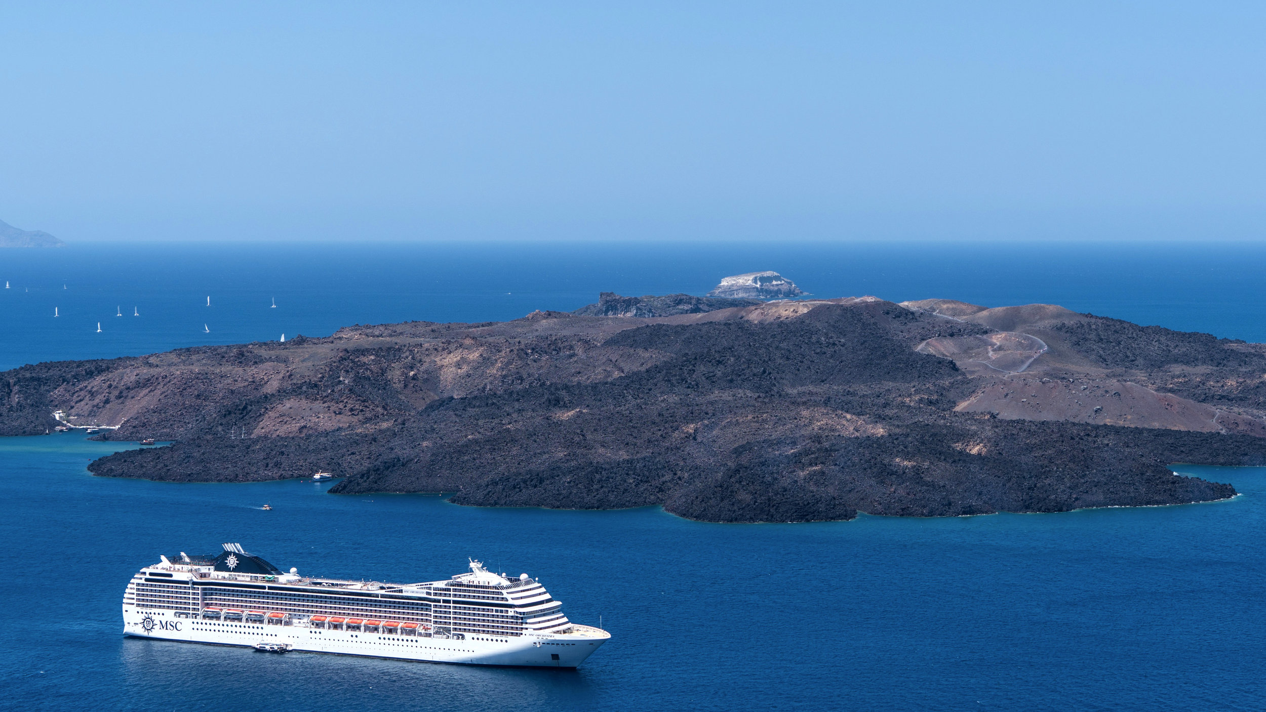 CRUISING   From port to sea, discover the many wonders of the world by boat.