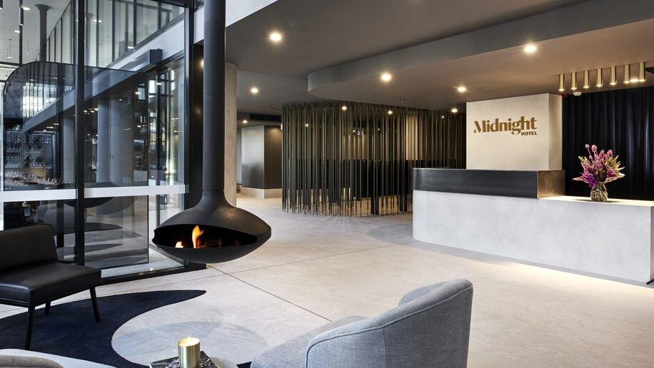 Midnight-Hotel-lobby-916x516.jpg