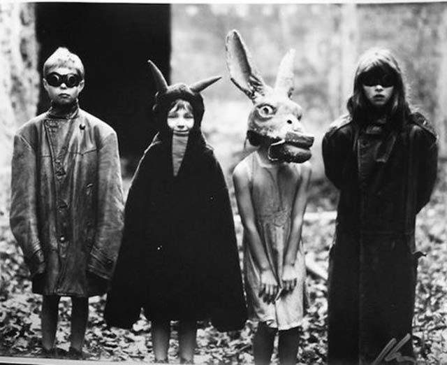 vintage-halloween-costumes-creepy-kids-scary-retro.jpg