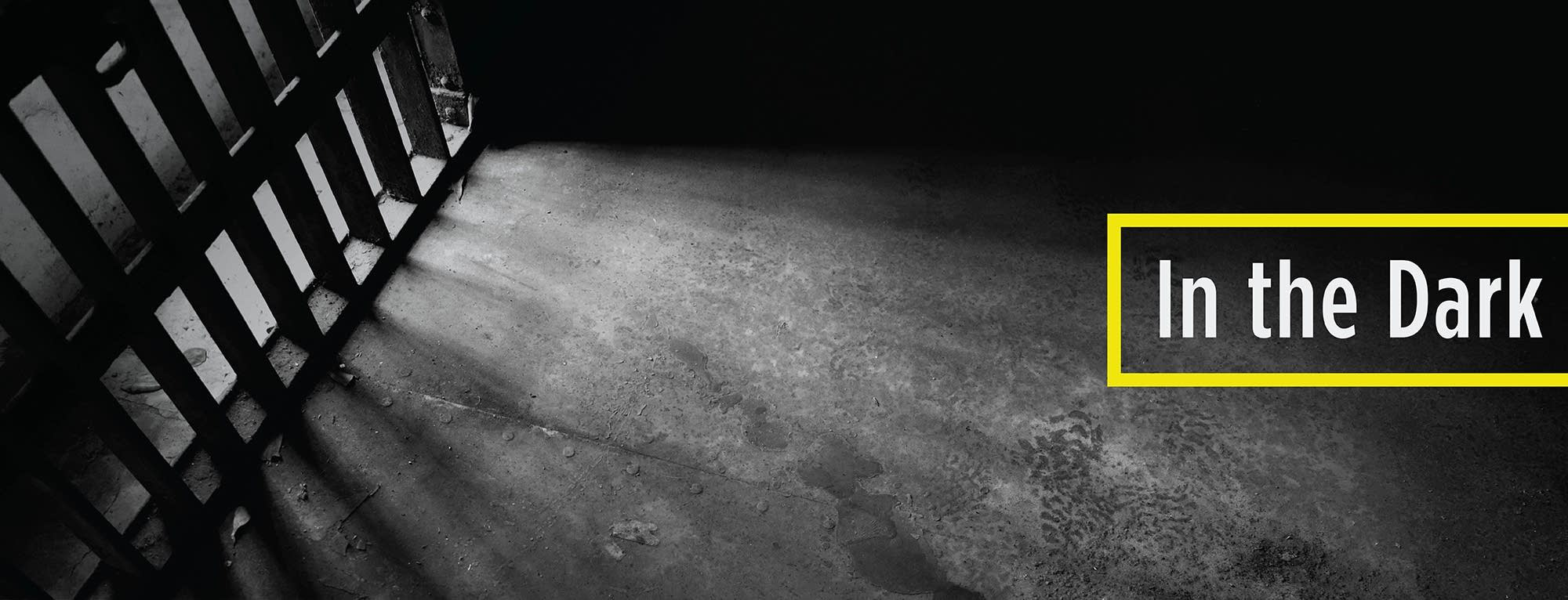 bb476f-20180413-in-the-dark.jpg