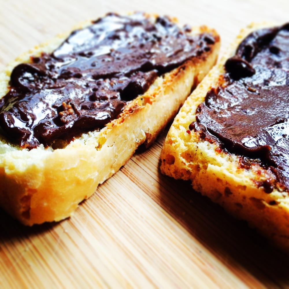 homemade-vegan-nutella-recipe-mamakan.jpeg