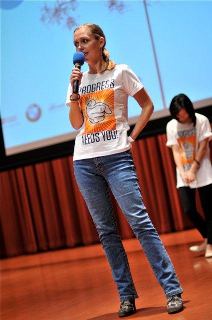 Qi-Global-2010-48.jpg
