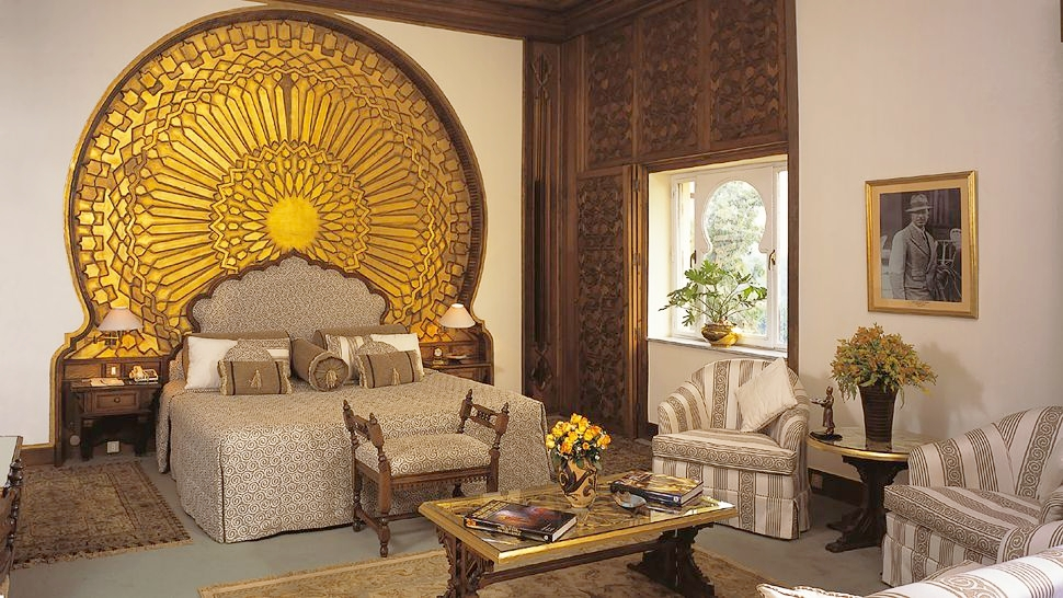 Mena-House-Oberoi-Cairo-Egypt-bedroom-golden-wall-decor.jpg