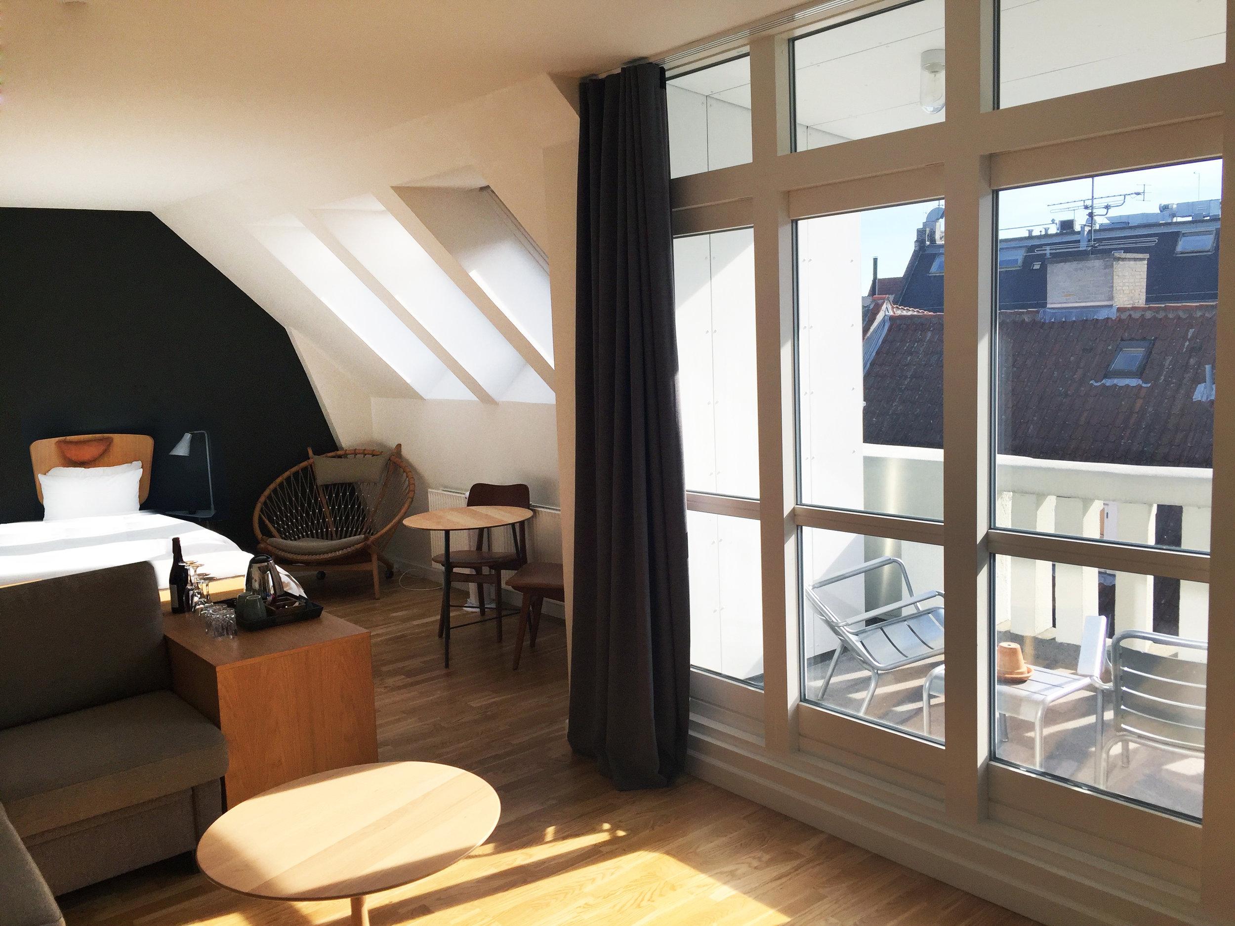 HotelSP34_Penthouse_Suite-2.jpg