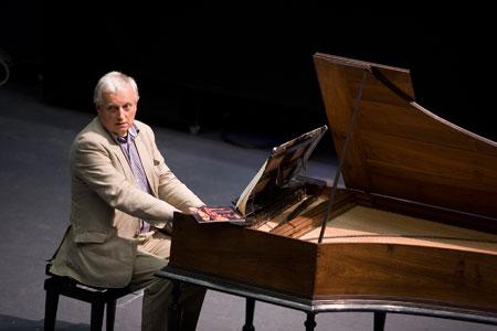 David-Ledbetter-playing-Bach-Keyboard-Partitas-1.jpg