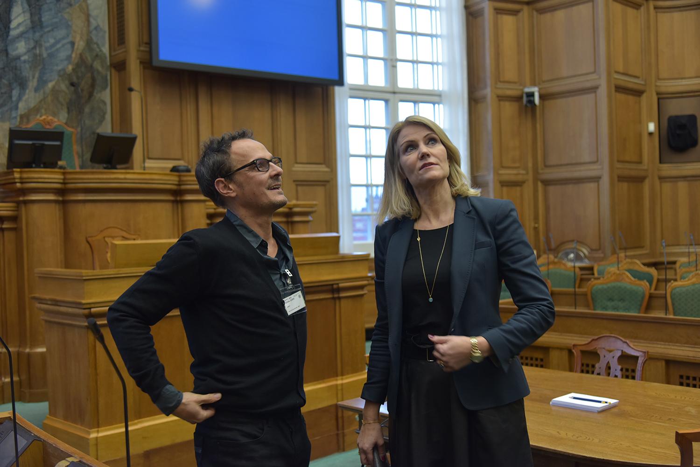 Jonny & helle parliament.JPG
