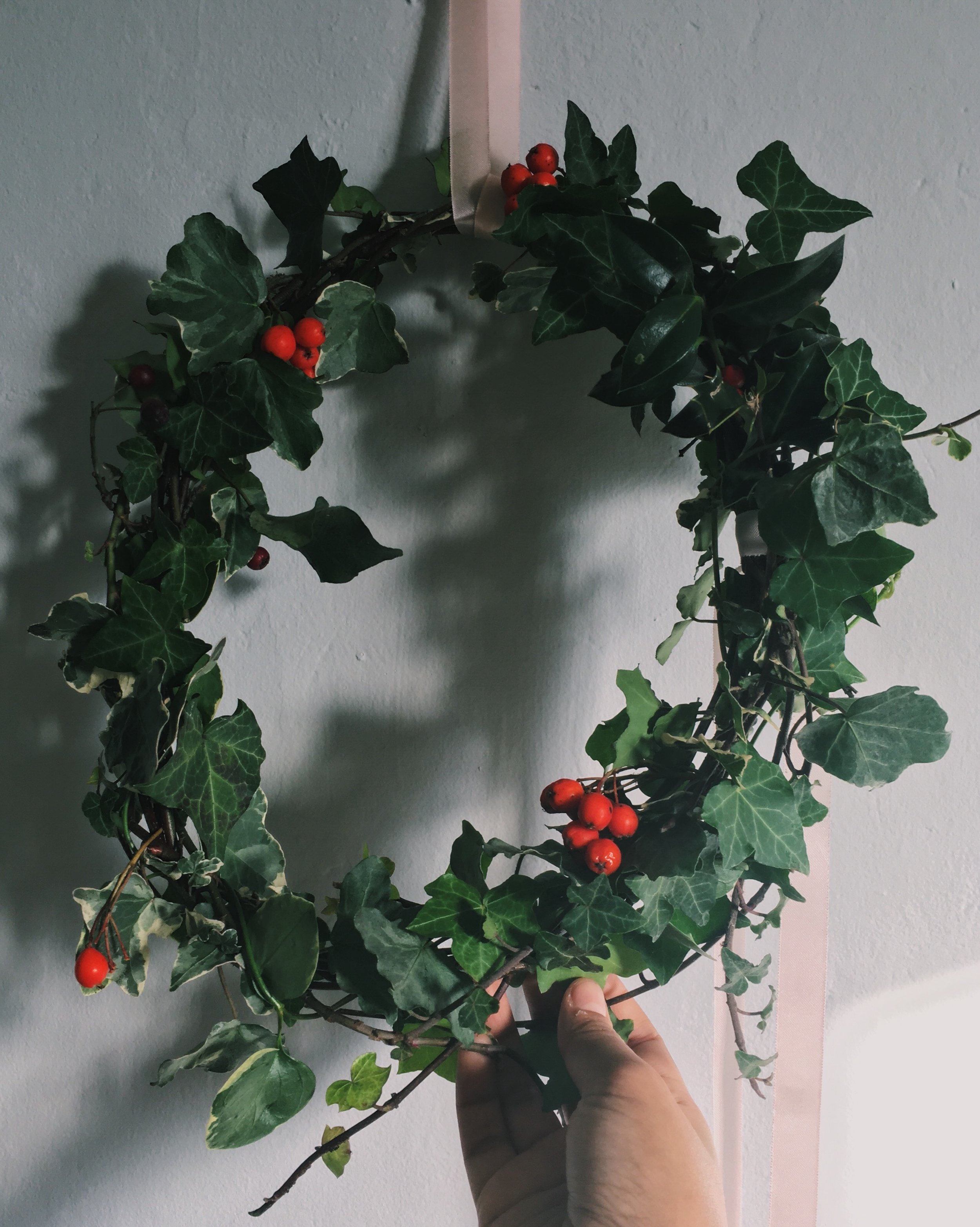I made this slightly less traditional, asymmetrical wreath for inside in very much the same way