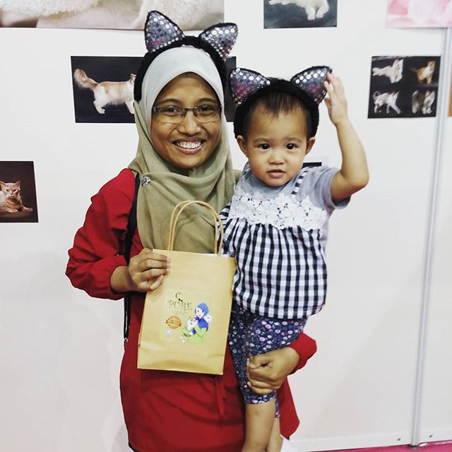 We had the cutest visitors today 🙂 🙂THE 6th EDITION of HALFEST ASEAN. Do visit our booth (Majestic Grooming)  No 544 at Mines Exhibition Centre, Seri Kembangan, Selangor, Malaysia. We will be here from 23rd August until 27th August 2017. Dont forget to come and join us!!! 🐈🐈🐈#catagram #cat #kucing #halalcatshampoo #halal #lovehalal #petgrooming #meow #cats #catsofinstagram#halfest