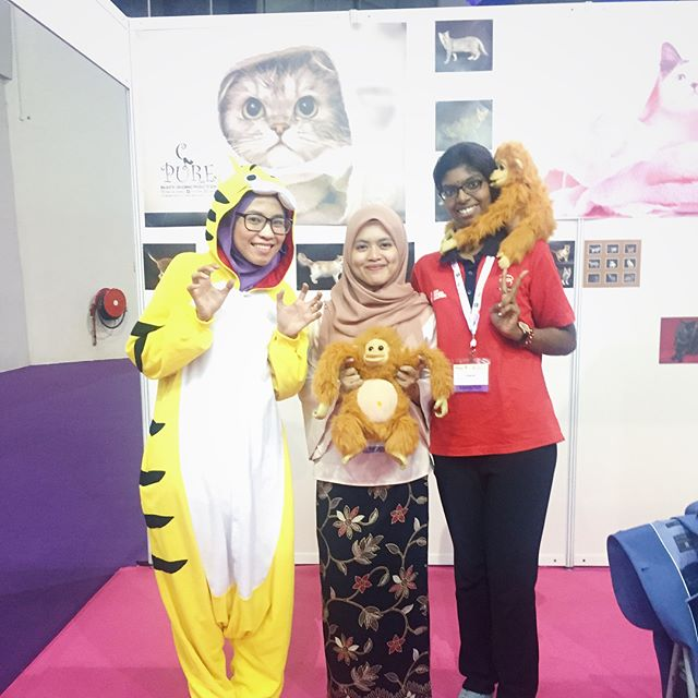 Thank you for visiting and support our products! 💗💗💗 THE 6th EDITION of HALFEST ASEAN. Do visit our booth (Majestic Grooming)  No 544 at Mines Exhibition Centre, Seri Kembangan, Selangor, Malaysia. We will be here from 23rd August until 27th August 2017. Dont forget to come and join us!!! 🐈🐈🐈 #catagram #cat #kucing #halalcatshampoo #halal #lovehalal #petgrooming #meow #cats #catsofinstagram