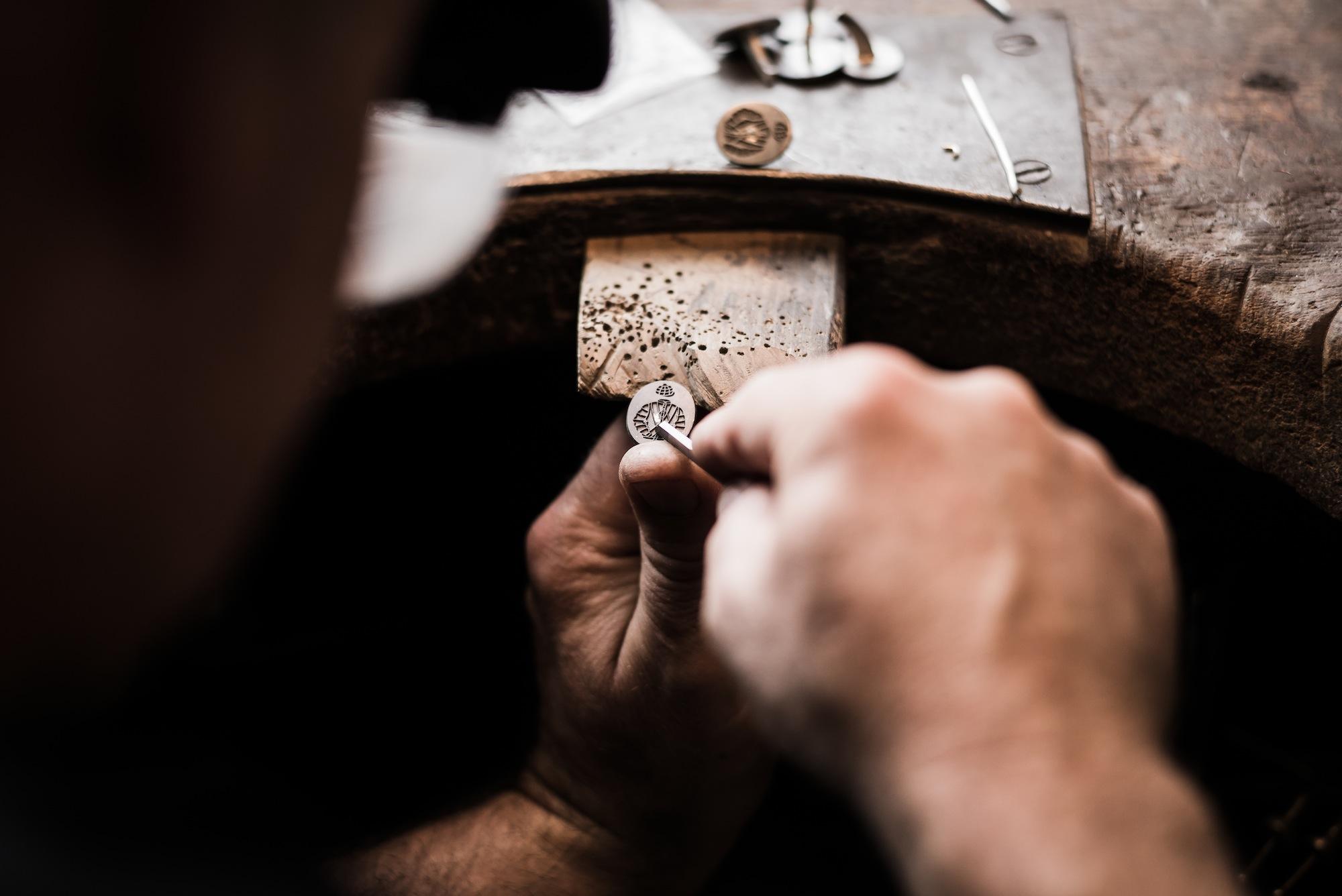 engraving-deakin-and-francis-cufflinks.jpg