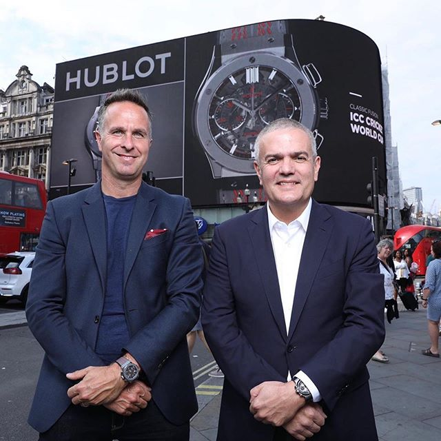 🏏 @ricardoguadalupe CEO of #Hublot and @michaelvaughan English cricket commentator and former England captain are taking over the iconic #PiccadillyCircus in #London! One day to go before the #CWC19 final. #ClassicFusionCricket #NZvsEN #HublotLovesCricket @icc