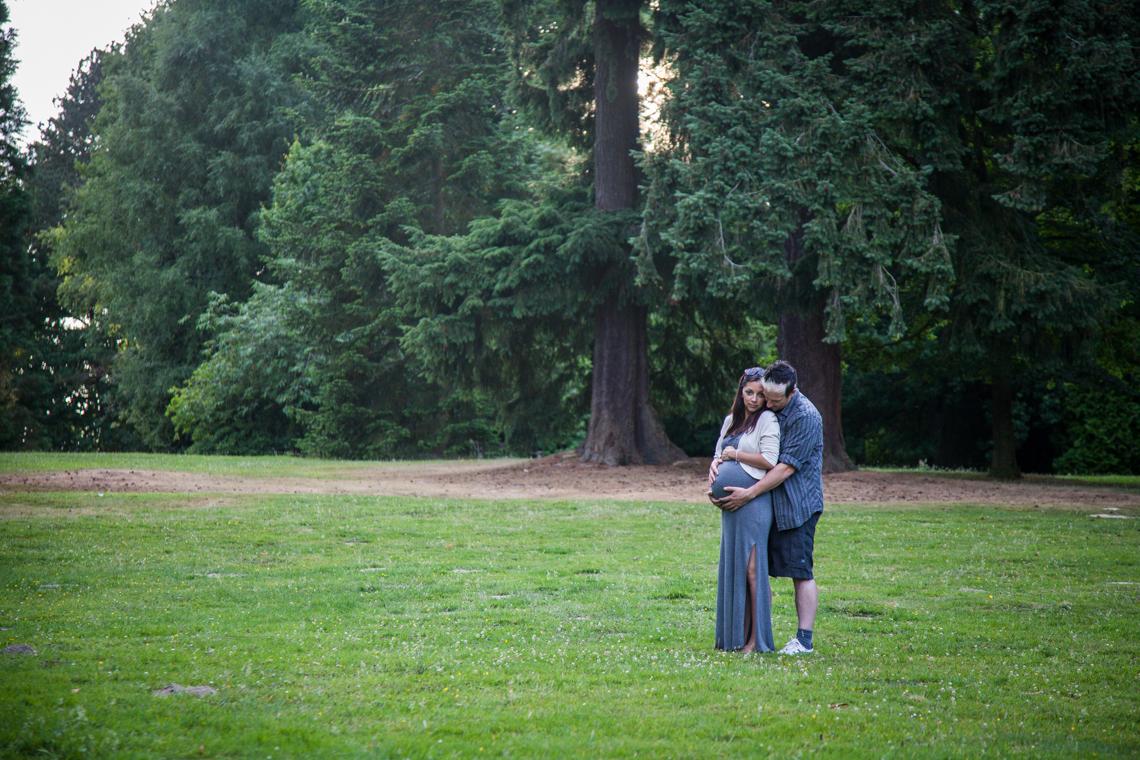 maternity lifestyle photography, crawley, sussex photographer