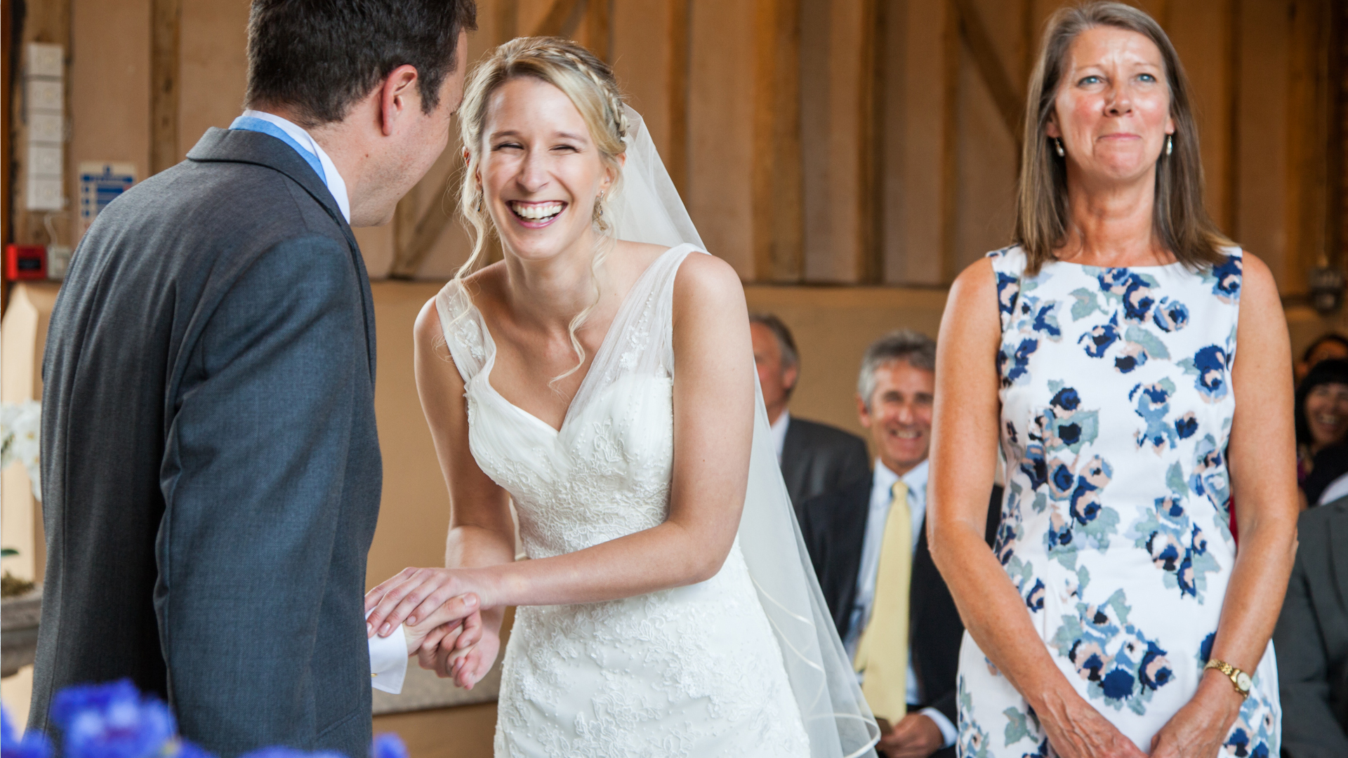 upwalthams-barns-wedding-photography13