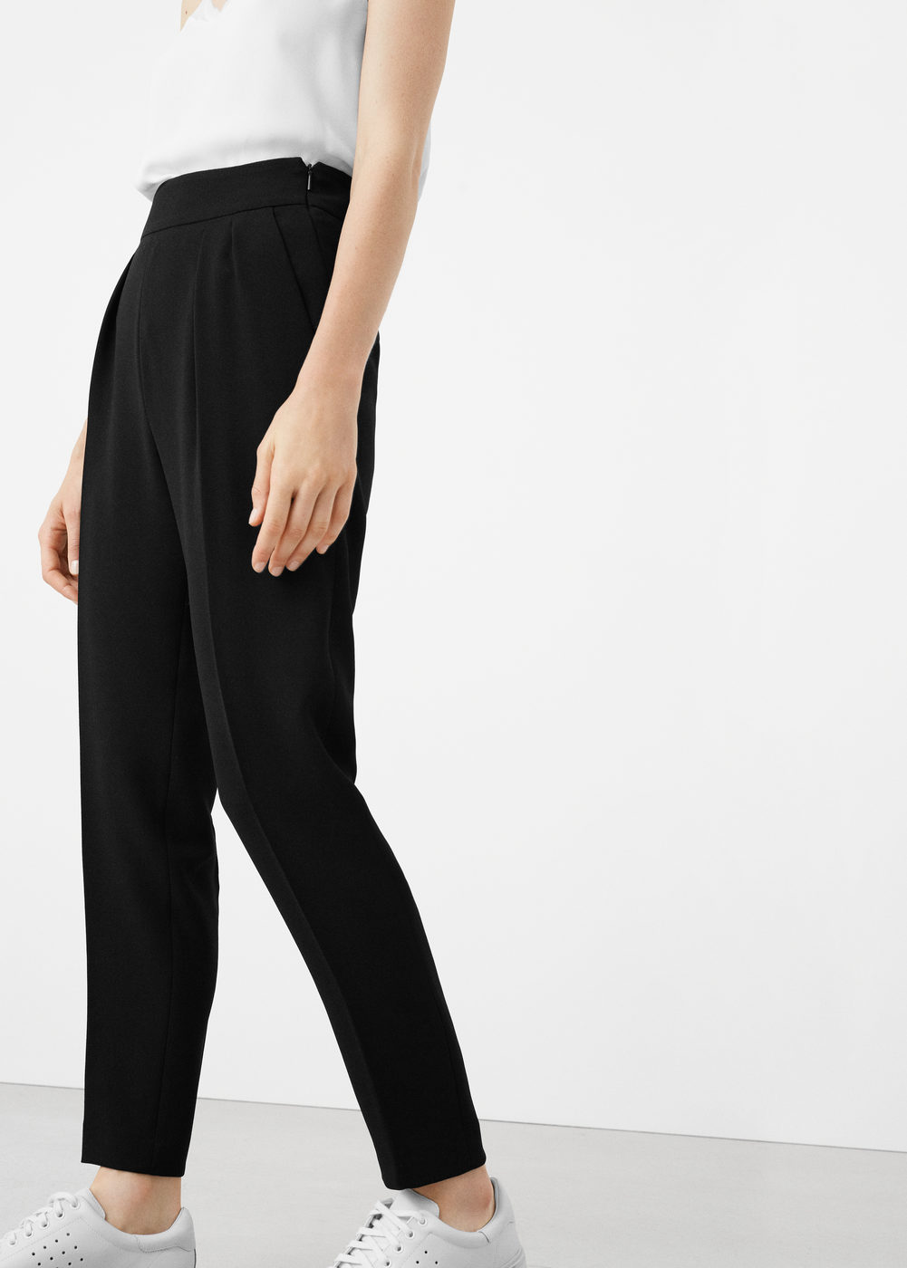 These   are the perfect everyday trouser that fit just right, I could definitely see myself living in these.