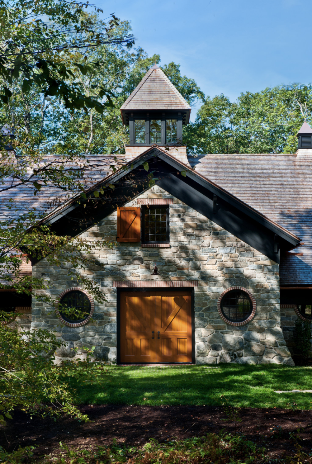 2014 AIA NEW YORK STATE DESIGN AWARD WINNER FOR CARRIAGE HOUSE