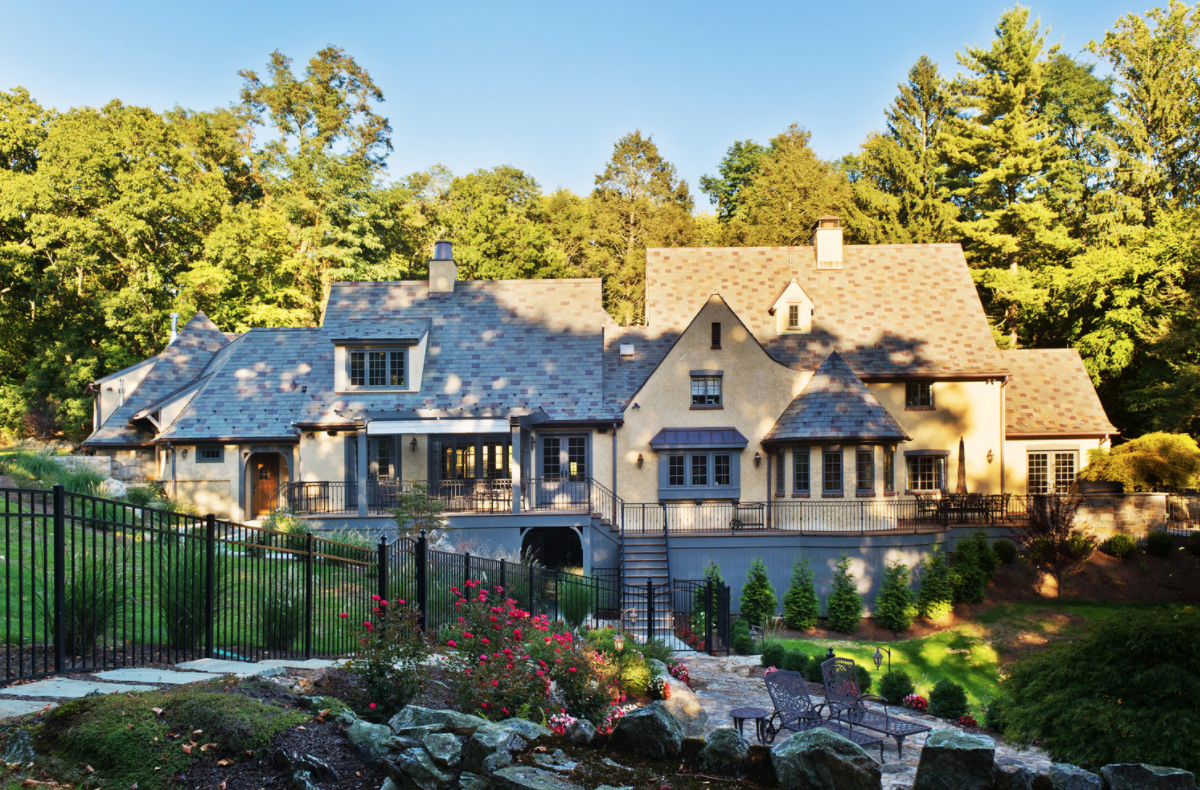 ARCHITECT in westchester county, ny USES ONLINE COMMUNITY TO PROMOTE FIRM