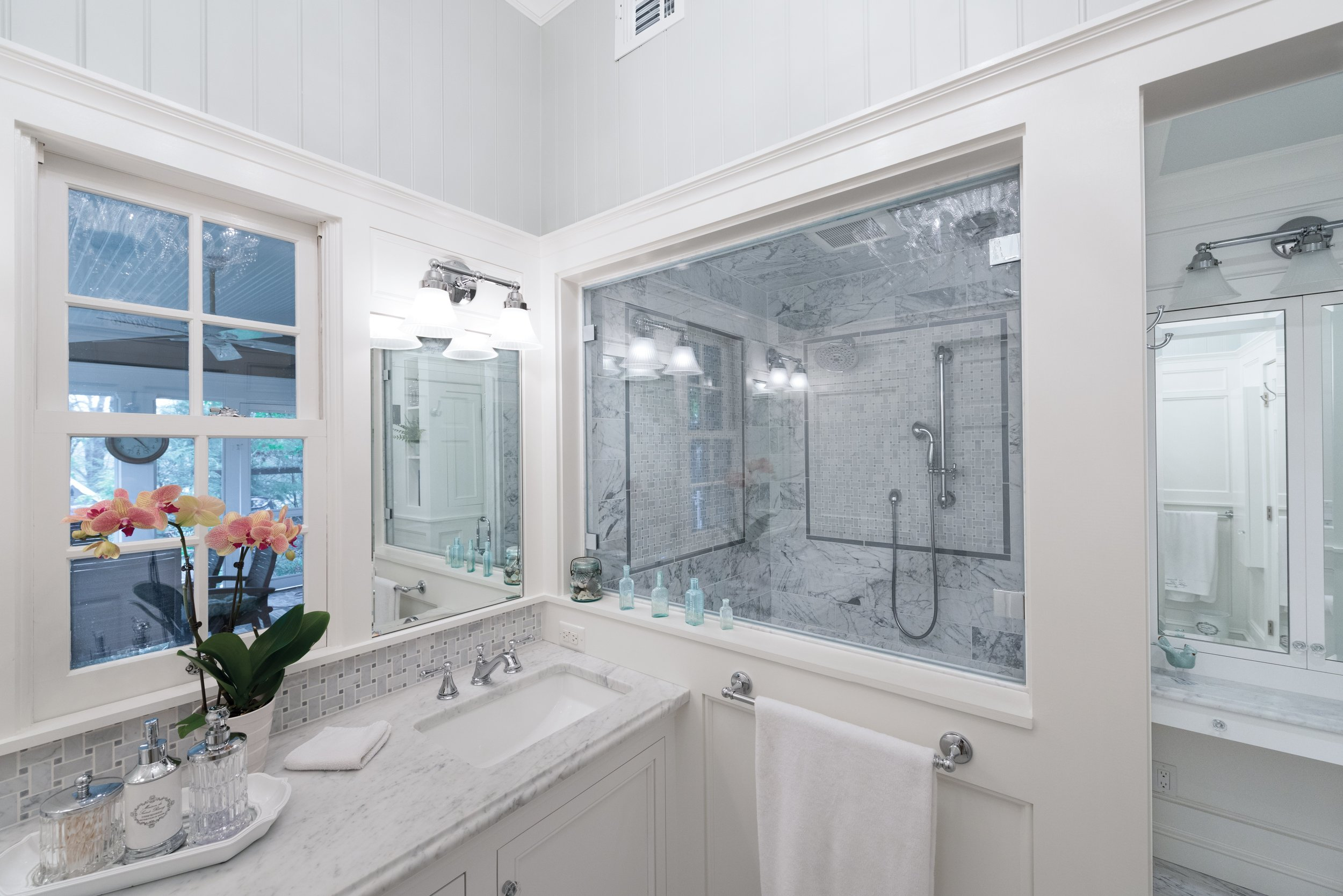10. Vanity and Shower Window.jpg