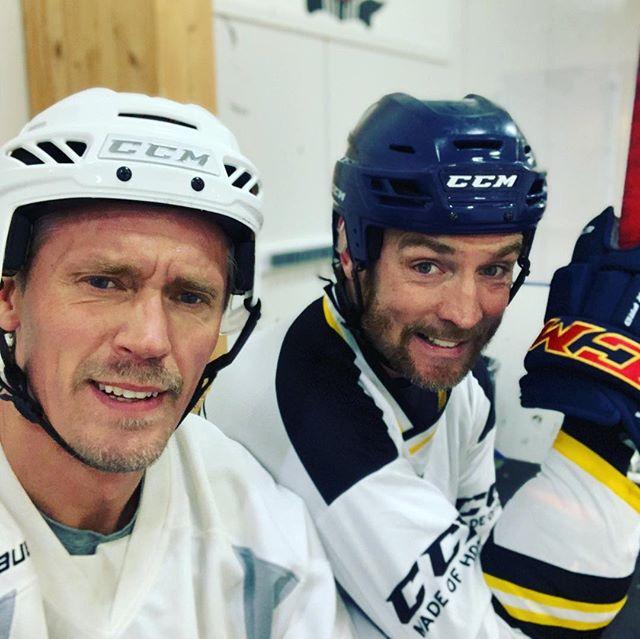 Det har alltid varit en dröm att få spela med @jeppe75b #hockey #ccm #nocco