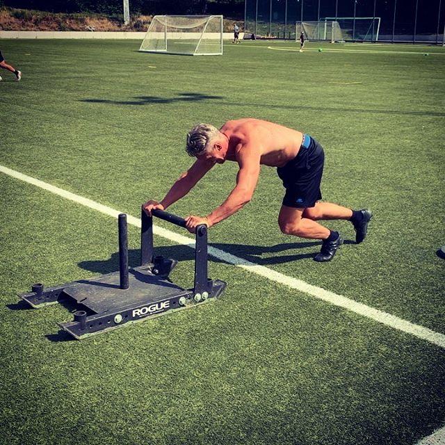 Man blir så inspirerad när man får träna med folk på elitnivå. Tack @vladimir.ego  #hockey #nhl #utmaning