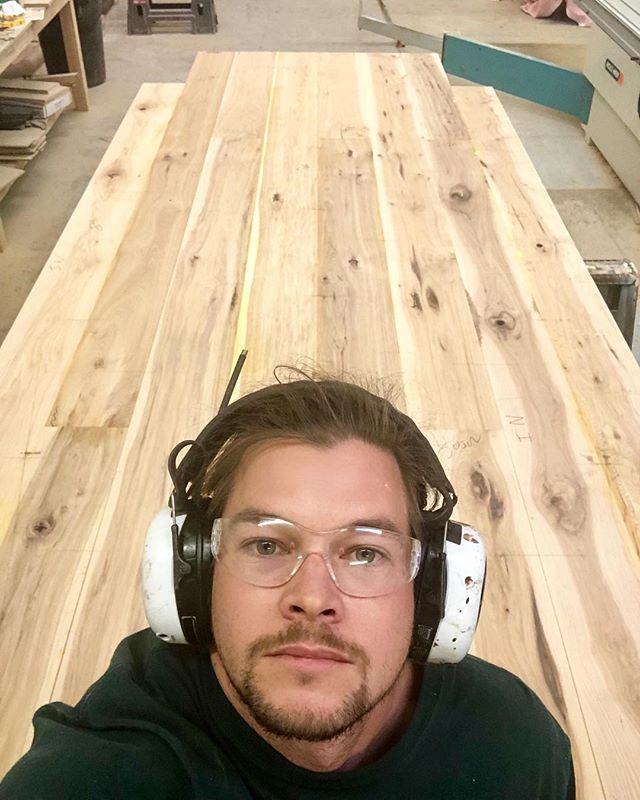 A rare selfie in my natural habitat. Wrestled every board of this 14' long, 5.5' wide dining table over the jointer, planer, and everything in between to ensure a consistently thick and more importantly flat dining table. Over the coming days this table will get a radius on the outer edges so that all 14+ dinner guests can see one another!