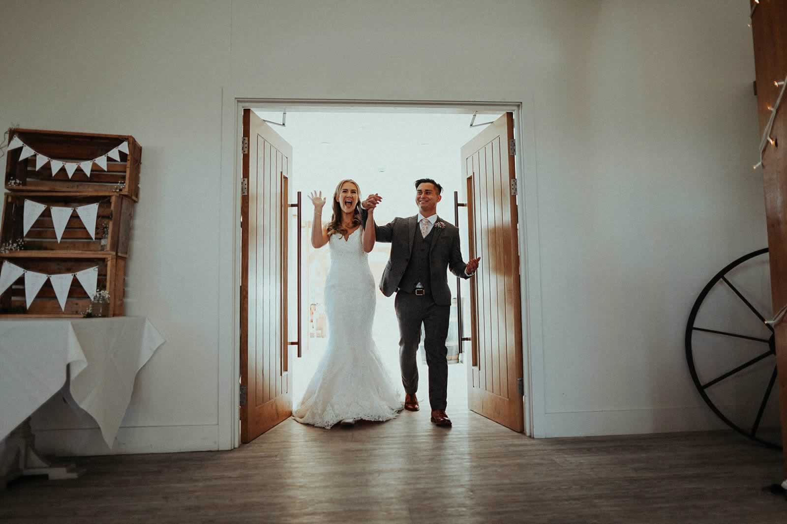 Pryors-Hayes-Wedding-Photography-Barn-Venue-Cheshire-embee-photography-0172.jpg