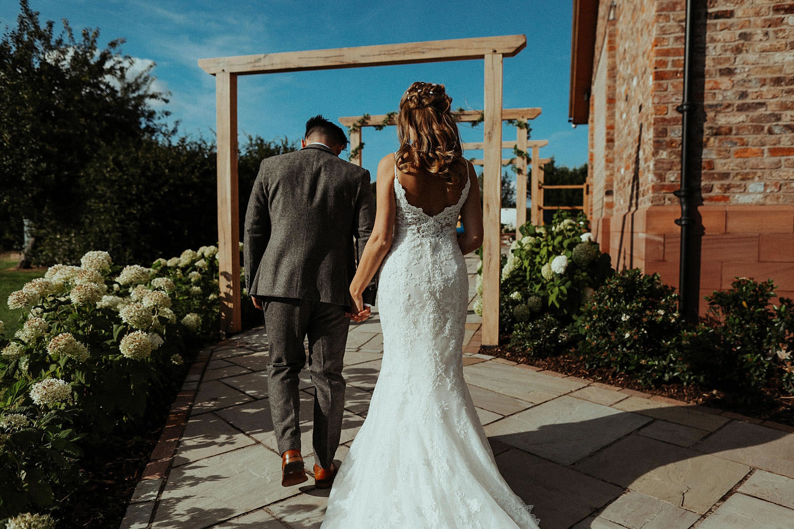 Pryors-Hayes-Wedding-Photography-Barn-Venue-Cheshire-embee-photography-0135.jpg