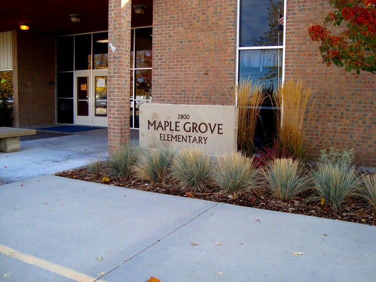 Maple Grove Elementary.jpg