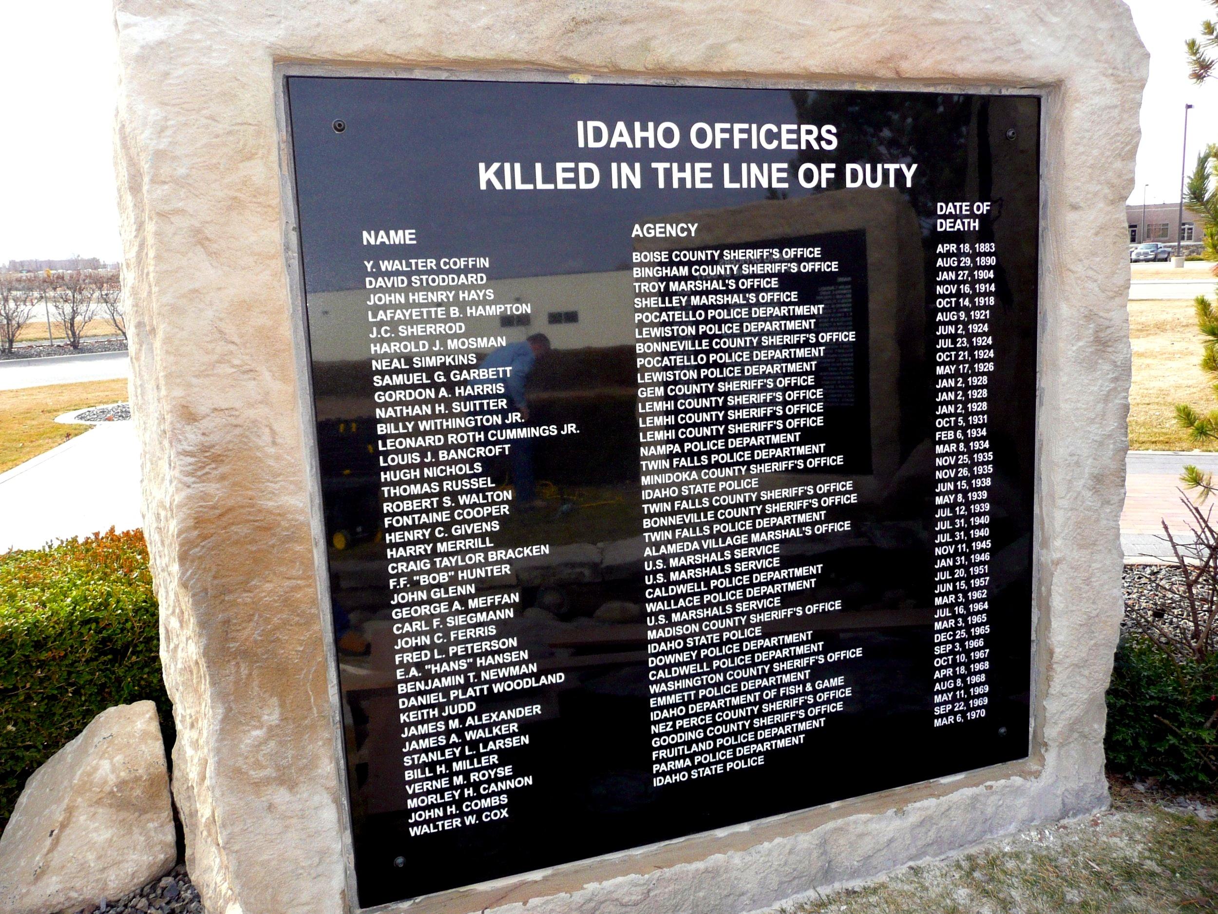 Memorials-Peace Officers-1.jpg