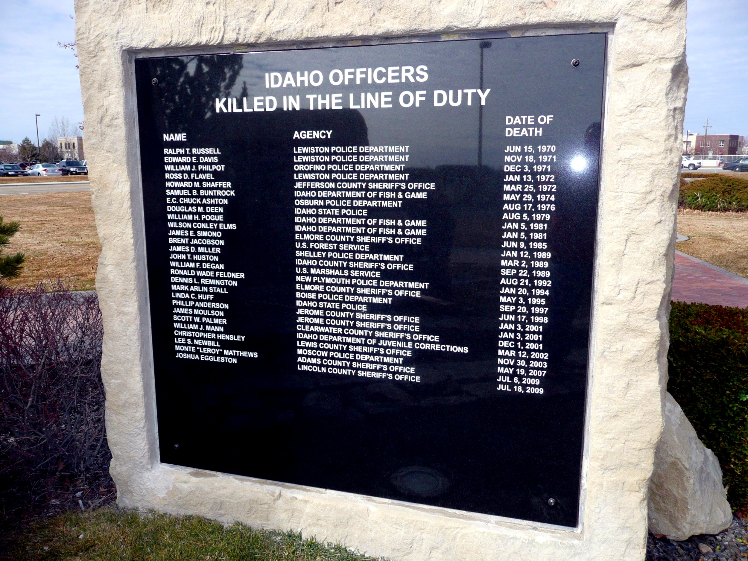 Memorials-Peace+Officers-2.jpg