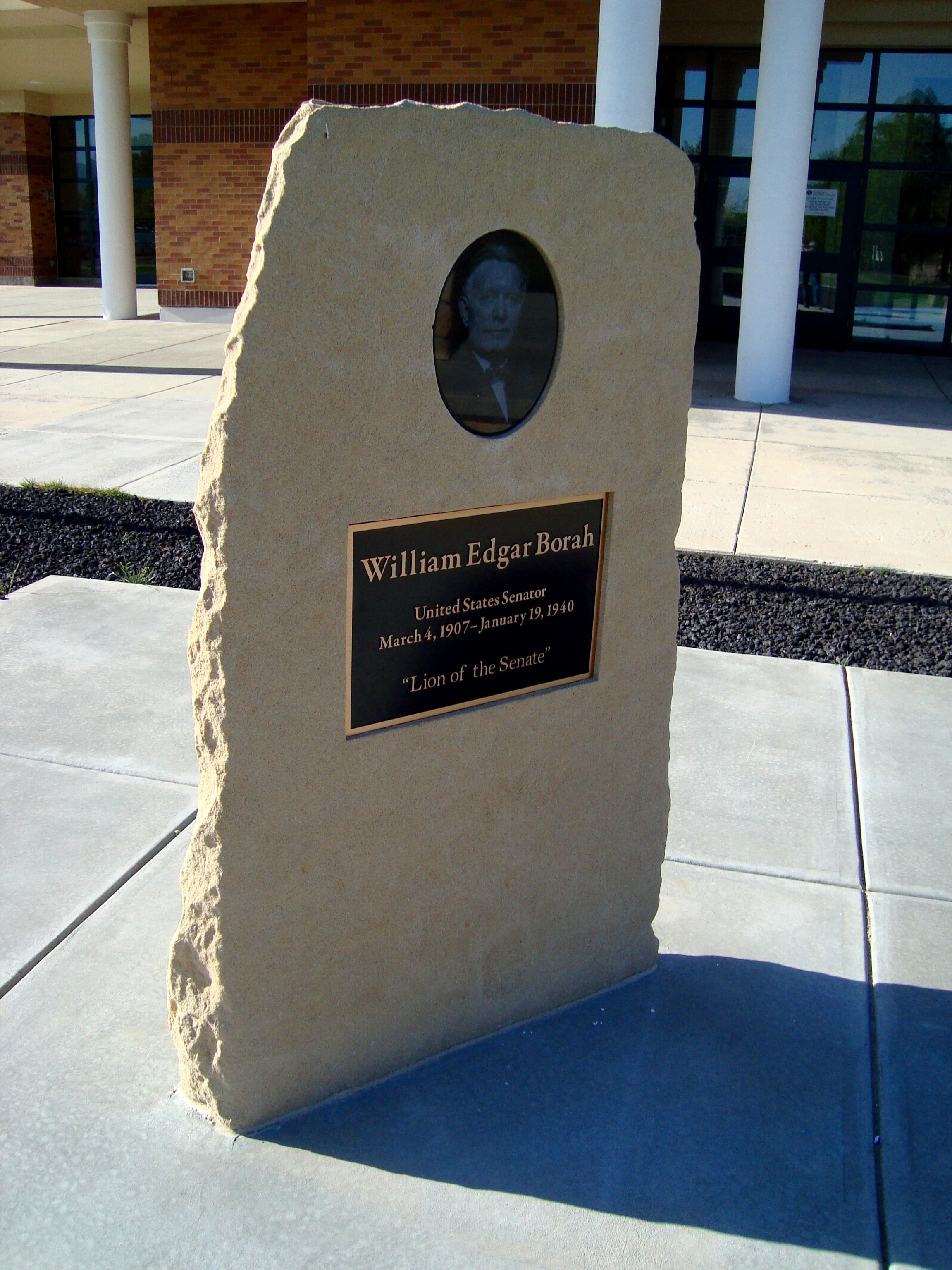 Plaque-Memorial Borah.JPG